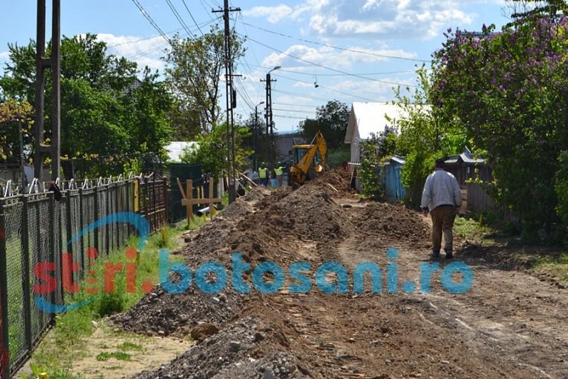 Se întâmplă tot la Botoşani: Proiect făcut din birou, oameni lăsaţi fără canalizare!