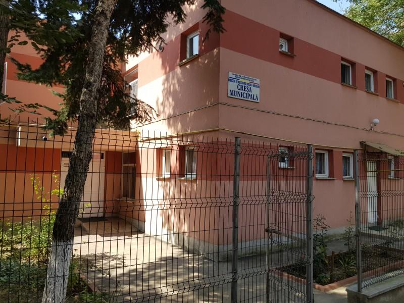 Se redeschid Creșa municipală și Centrul de zi pentru copiii din familiile cu risc social