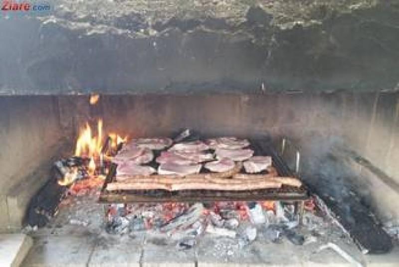 Se scumpeste carnea de porc: Pretul va creste cu pana la 30% incepand din aprilie