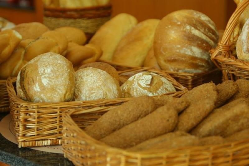 """Se scumpește pâinea! Președintele Rompan: """"Dacă ţigara s-a scumpit, nu trebuie să scumpim şi pâinea?"""""""