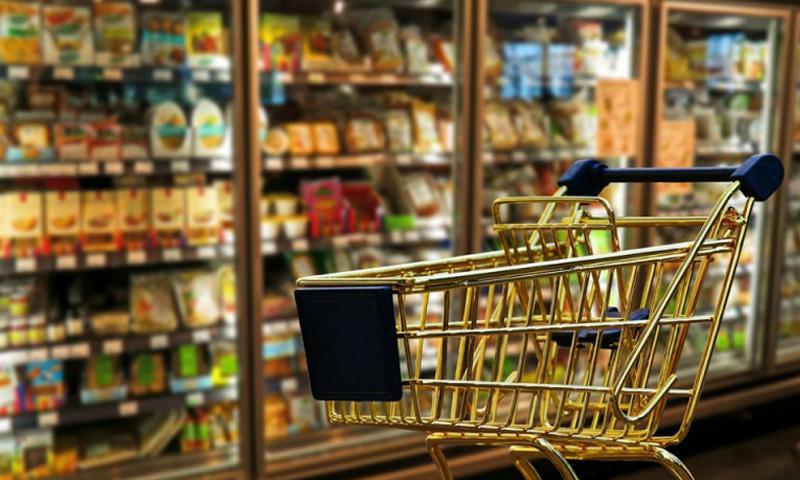 Secretele migrației: Românii cheltuie pe alimente de două ori mai mult decât media din UE. Adică mâncăm de două ori mai puțin sau cheltuim mai mult din salariu pe mâncare