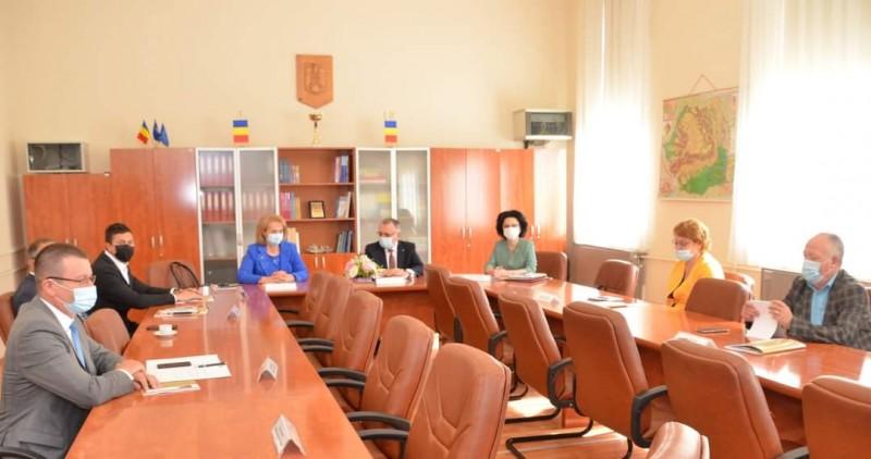 Șeful IȘJ Botoșani, întâlnire cu ministrul Educației, Sorin Cîmpeau