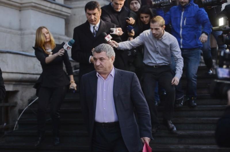 Sentinţa definitivă în dosarul Transferurilor: Fraţii Becali se întorc la închisoare, Cristian Borcea - achitat!