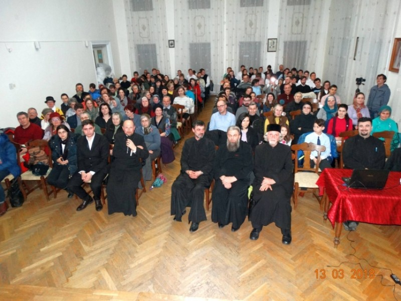 """Sfânta Liturghie, """"cea mai de seamă slujbă obştească a Bisericii"""", la Protopopiatul Botoșani!"""