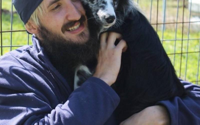Sfântul animalelor. Povestea veterinarului din Botoșani care cumpără animale bătute ca să le salveze