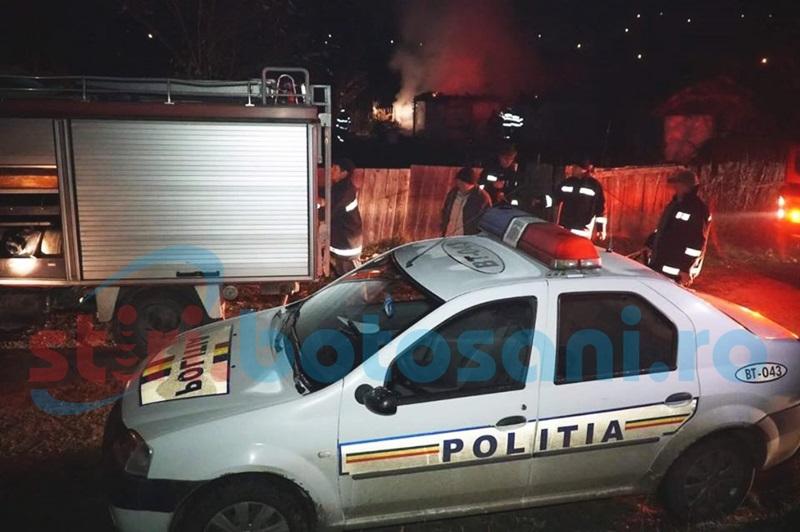 Sfârşit cumplit! Femeie arsă de vie în casa cuprinsă de flăcări! FOTO