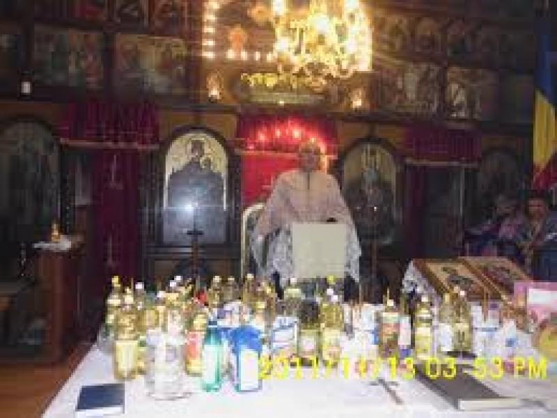 Sfaturi practice în Biserică: Prin Taina Sfântului Maslu se sfinţeşte doar uleiul