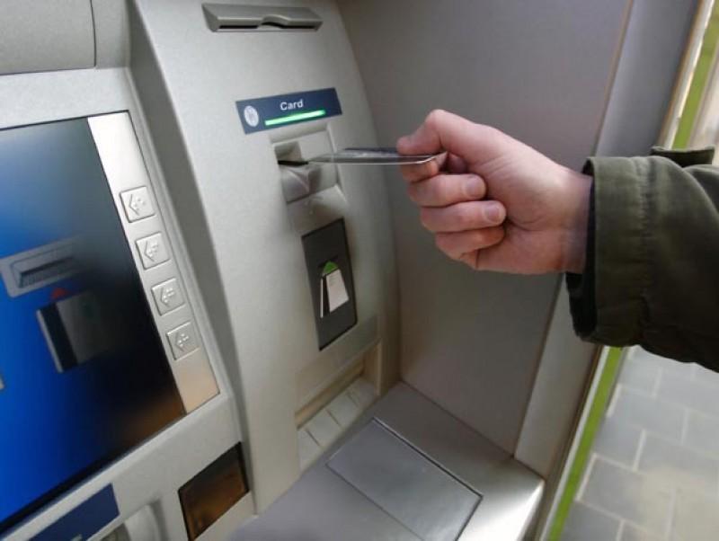 Atenţie, botoşăneni, dacă folosiţi cardurile bancare!