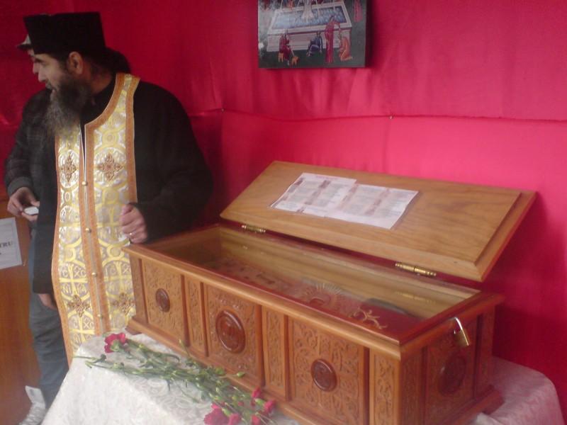 "Sfinte Moaste la Biserica ""Izvorul Tamaduirii"" din Botosani"