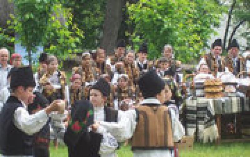 Sfintii Arhangheli Mihail si Gavriil - obiceiuri si traditii