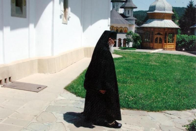 Sfinţii Botoşanilor: A plecat la Domnul unul dintre marii călugări ai zilelor noastre!