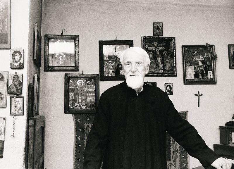 Sfinţii Botoşanilor: Întâlnirea dintre Părintele Dumitru Stăniloae şi Părintele Paisie Olaru!