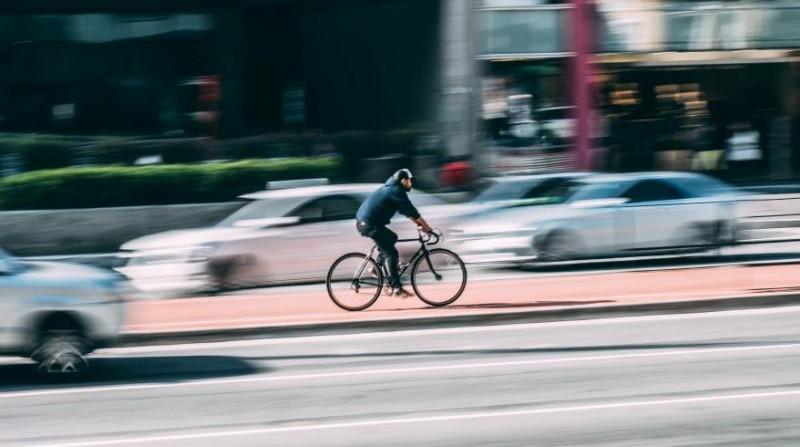Și-a modificat bicicleta ca să prindă 60 km/h, dar poliția nu a fost încântată!