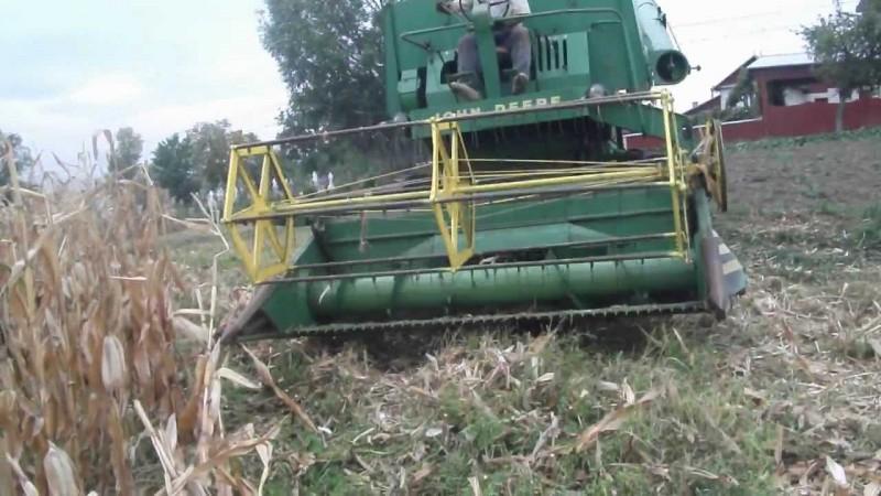 Și-a zdrobit mâna în utilajul unei combine agricole!