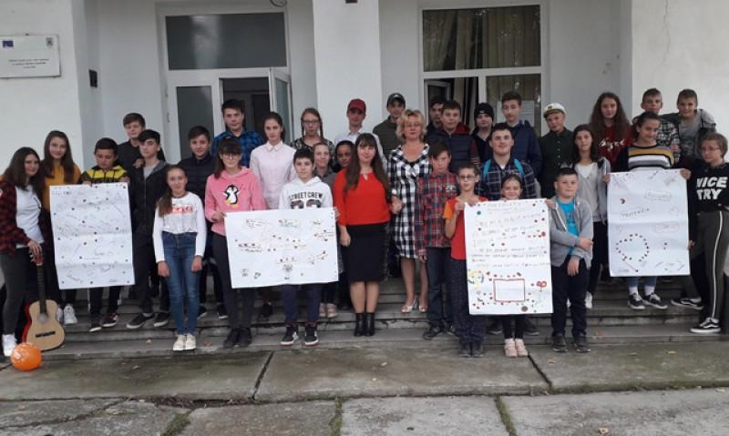 Și elevii Școlii Gimnaziale Nr. 1 din Albești au sărbătorit Ziua Educației!