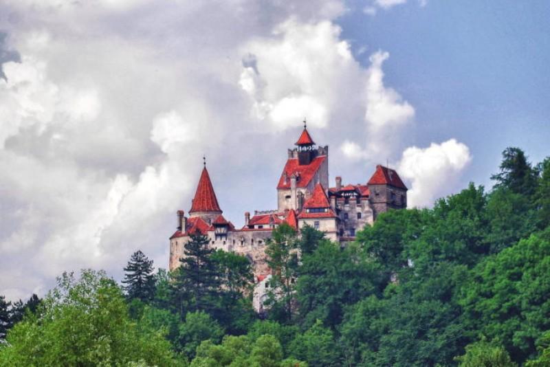Simbolul național al României, Castelul Bran, cumpărat de ruși!