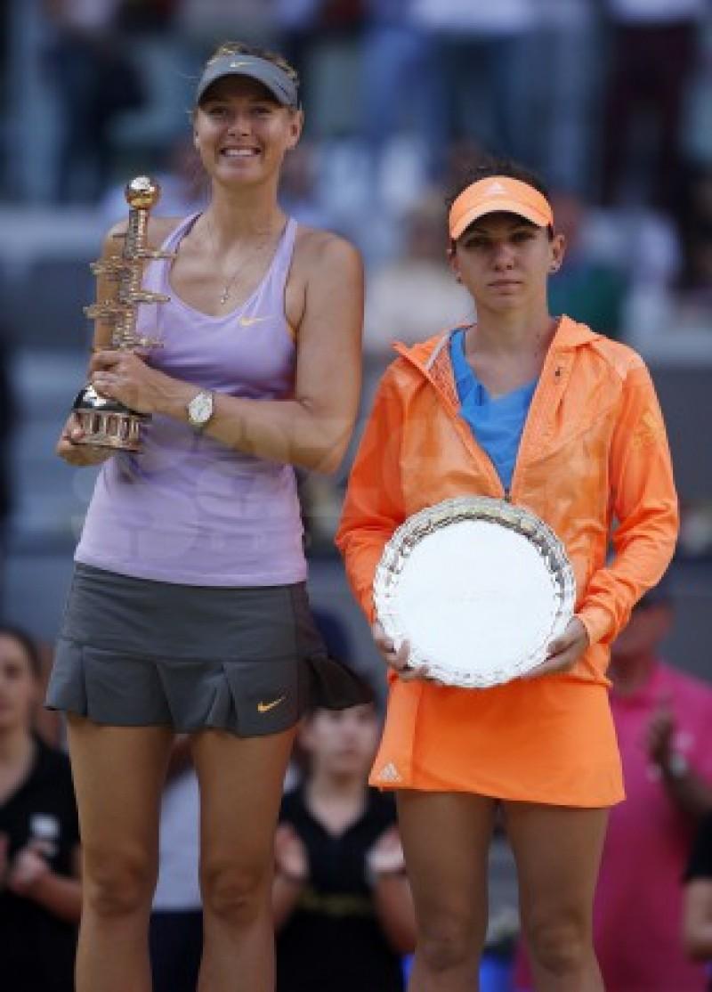 Simona Halep a pierdut finala turneului de la Madrid în faţa Mariei Şarapova