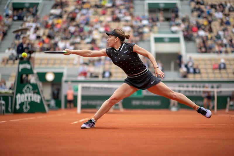 Simona Halep, în optimile de finală ale turneului de la Roland Garros, după 6-2, 6-1, cu Lesia Ţurenko