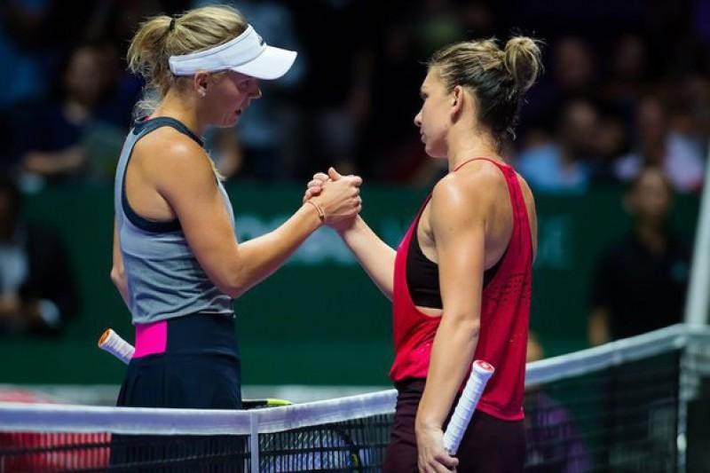 Simona Halep pierde în fața Carolinei Wozniacki!