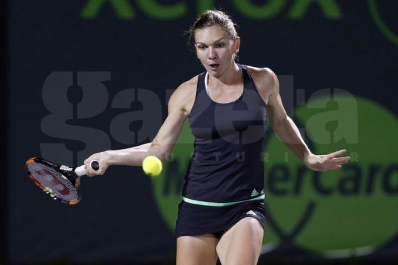 """Simona Halep se califică în """"sferturi"""" la Miami după un meci senzaţional cu Flavia Pennetta"""