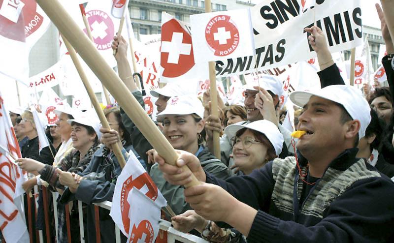 Sindicalistii de la Sanitas accepta oferta Guvernului si renunta la greva