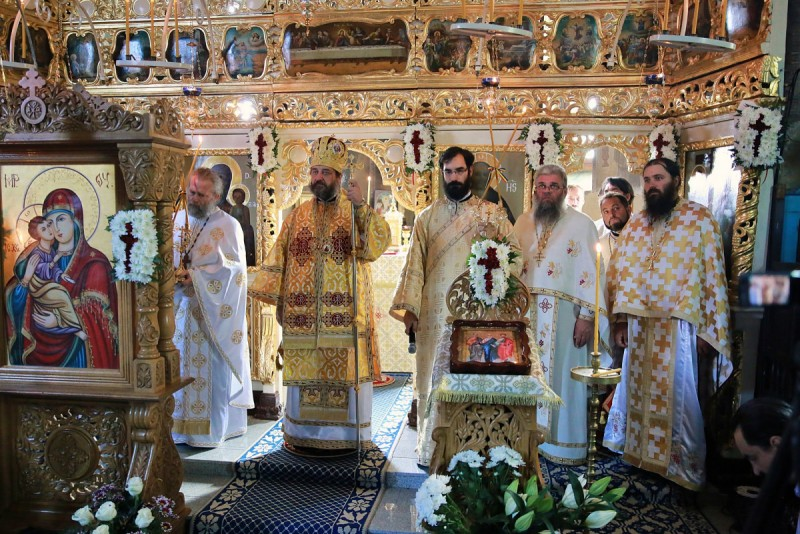 Slujbă arhierească, cu participarea Preasfințitului Părinte Nichifor Botoșăneanul, la o parohie din județul Botoșani