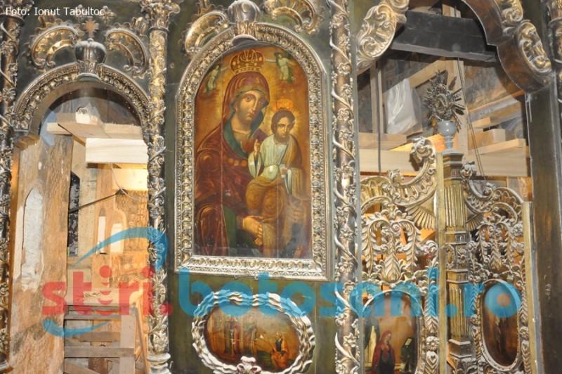 Slujbă arhierească la Mănăstirea Coșula