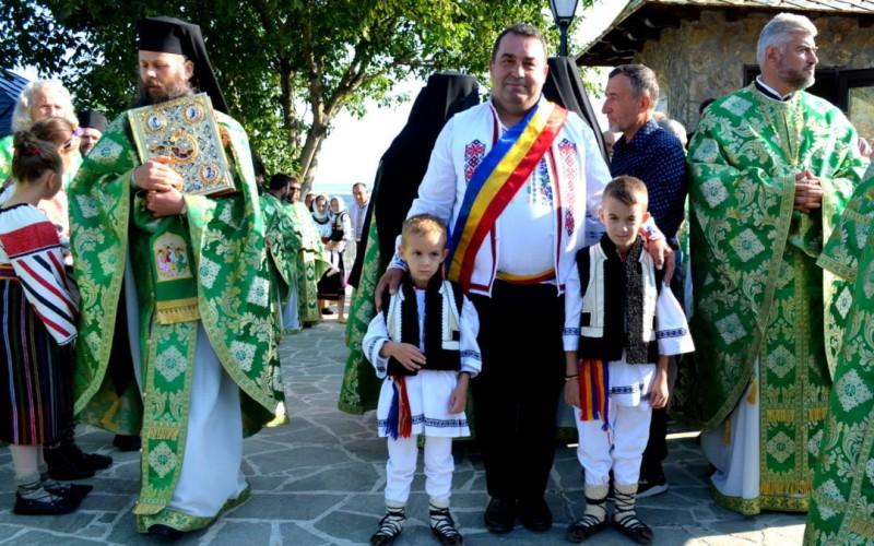 Slujbă de hram și sfințire de clopote la locul natal al Sfântului Ioan Iacob Hozevitul