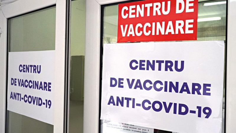 Șoc la un centru de vaccinare de la Botoșani: O femeie de 75 de ani s-a prăbușit în văzul tuturor cu semnele unui accident cerebral