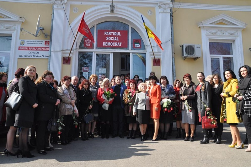Social-democratii botosaneni si-au sarbatorit doamnele-FOTO