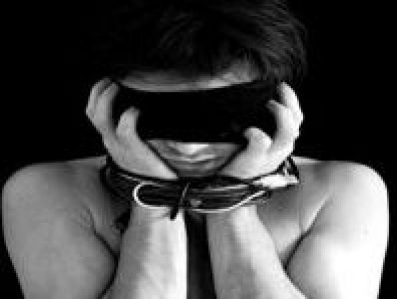 Societatea in care oamenii devin sclavi