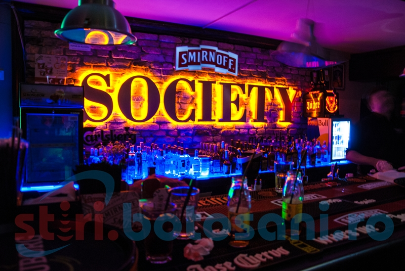 Society Pub Botoșani s-a redeschis cu o mega-petrecere! FOTO