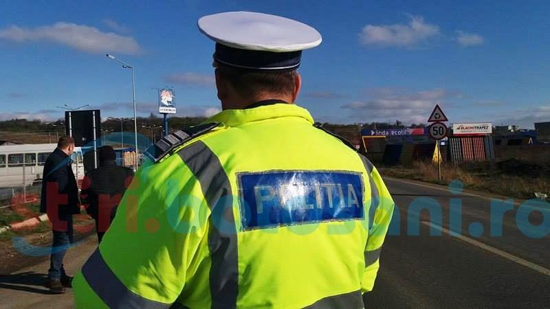 Şofer băut oprit de poliţişti după ce a provocat un accident!
