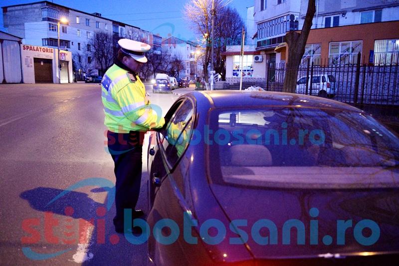 Şofer cercetat pentru uz de fals şi conducerea unei maşini care nu avea drept de circulaţie în România!