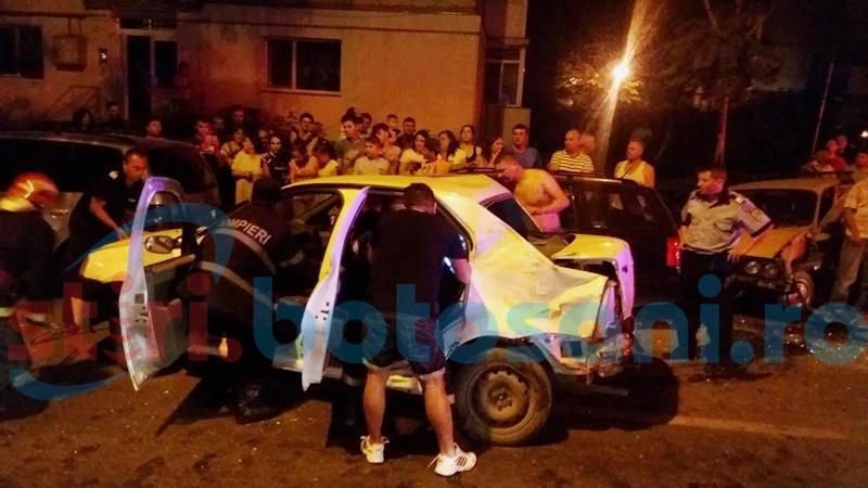 Șofer încarcerat și trei mașini făcute praf într-un accident pe strada Împărat Traian! FOTO, VIDEO
