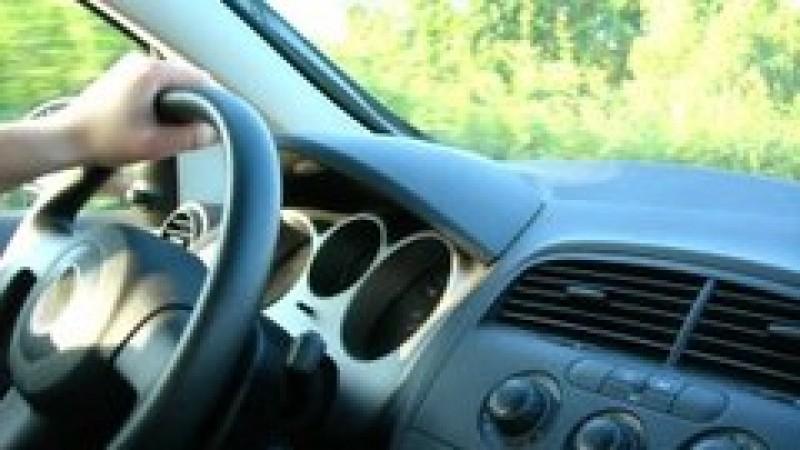 Şofer începător? Ce (nu) poți face când conduci o mașină şi ce vehicule (nu) poți conduce
