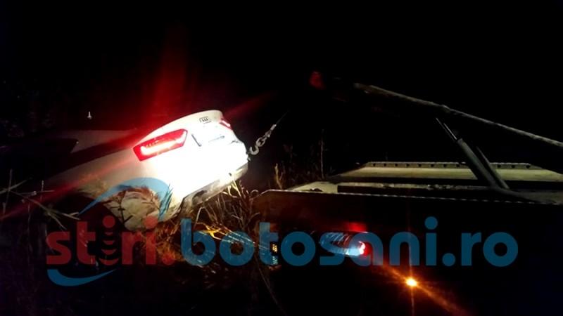 Șofer rănit după un accident pe drumul național Botoșani - Dorohoi! Mașina s-a oprit în calea ferată! FOTO