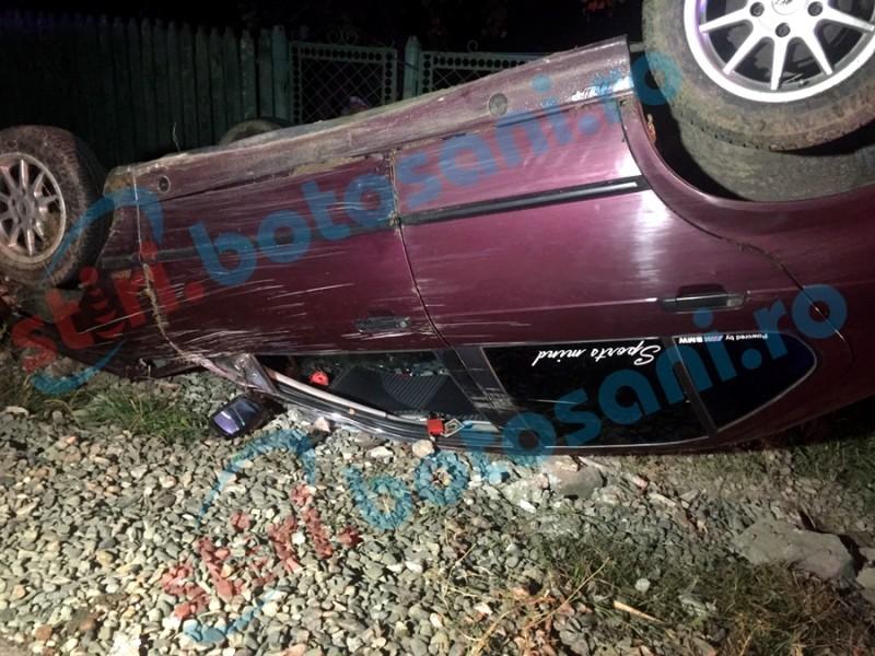 Șofer rănit la Mănăstirea Doamnei, după ce a aterizat cu BMW-ul pe cupola! FOTO