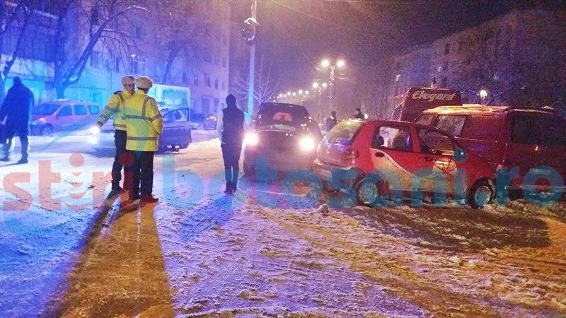 Șofer începător rănit pe o stradă din municipiul Botoșani, după ce nu s-a asigurat! FOTO