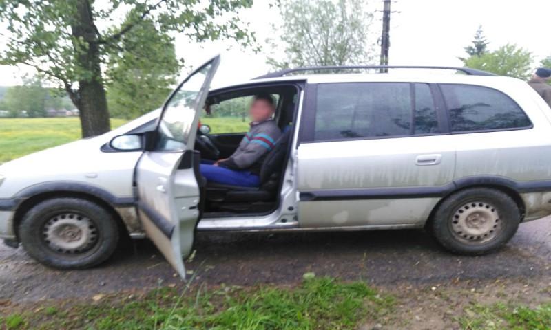Şofer sub influența băuturilor alcoolice, depistat de poliţiştii de frontieră botoșăneni!