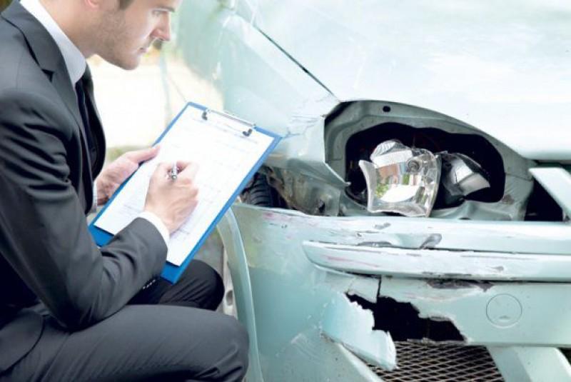 Șoferii loviți în trafic au dreptul la mașină gratuită. Cum faci ca să o soliciți