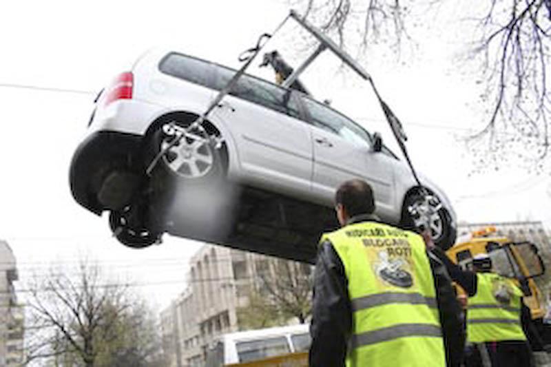 Soferii mai scapa cateva luni de blocarea rotilor, in caz ca parcheaza masina in loc nepermis