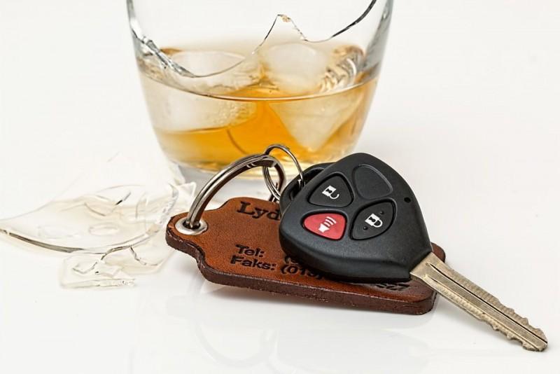 Soferii prinși sub influența băuturilor alcoolice, obligați să lucreze la morgă!