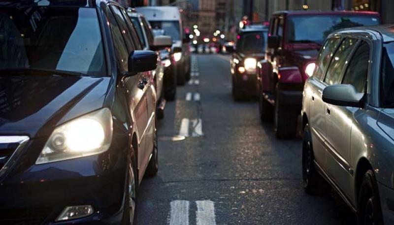 Șoferii vor fi obligați să folosească și pe drumurile naționale luminile de întâlnire pe timp de zi