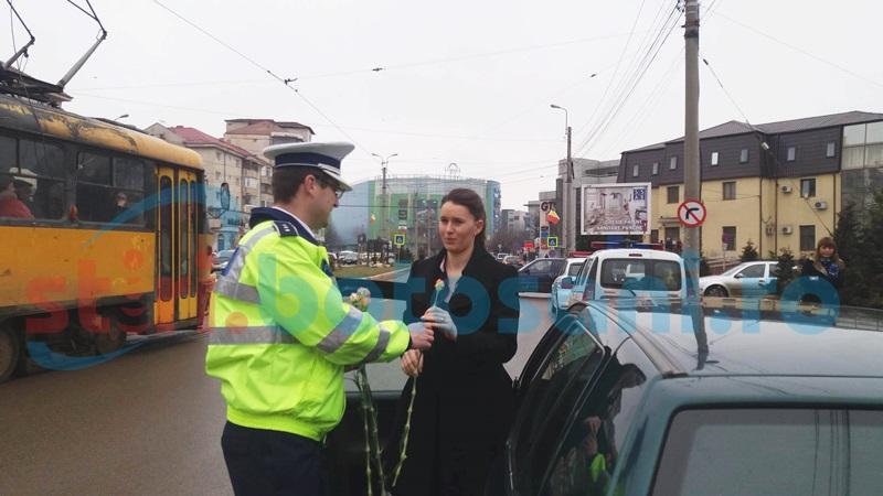 Şoferiţele din Botoşani, amendate cu flori – FOTO