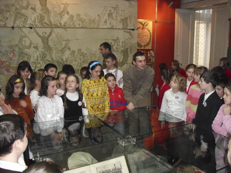 Solicitare către Consiliul Județean: Copiii să viziteze gratuit muzeele și casele memoriale din Botoșani!