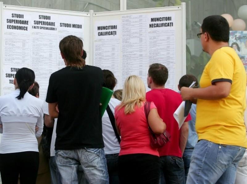 Mii de botoșăneni fără un loc de muncă. Cei mai mulți șomeri au peste 40 de ani!