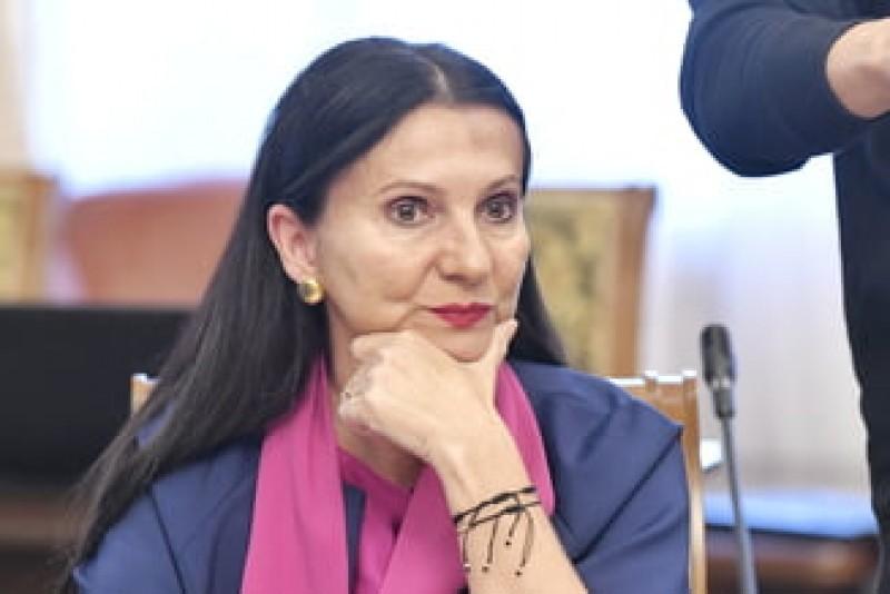 Sorina Pintea a fost arestată. Este acuzată de luare de mită