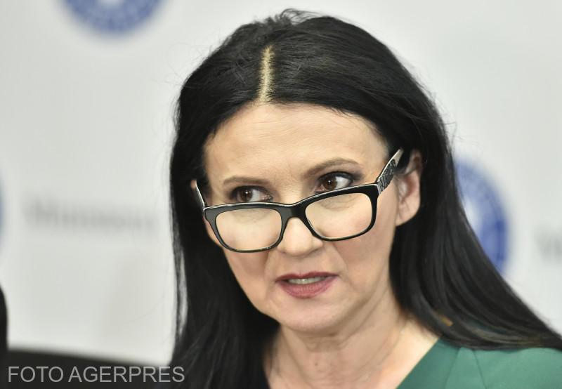Sorina Pintea: Dezinfectanții neconformi au ajuns în peste 30 de spitale din toată țara