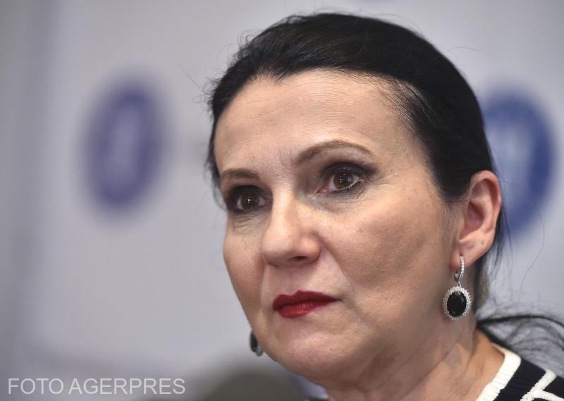 Sorina Pintea: Nu e normal ca un medic care face 5 operații să primească același salariu ca unul care face 30 de operații